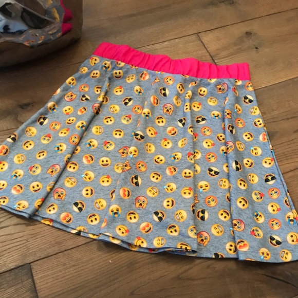 Grey Emoji skirt with pink waistband
